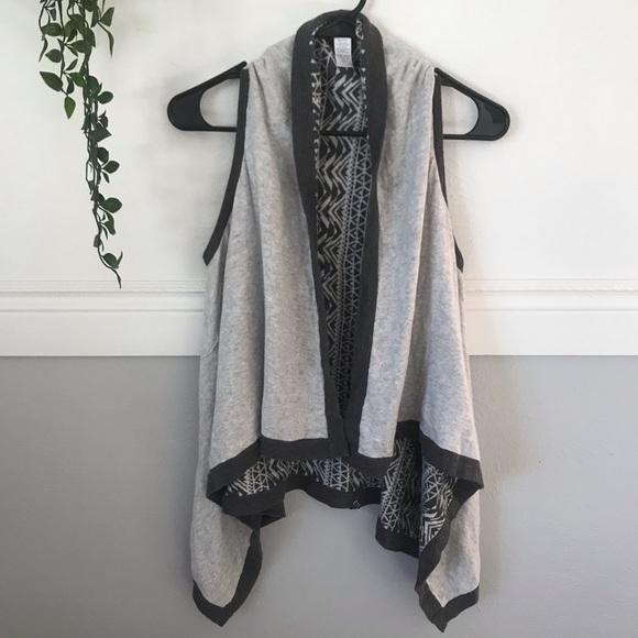 Ivivva Other - Ivivva Girls Gray Reversible Sweater Drape Vest